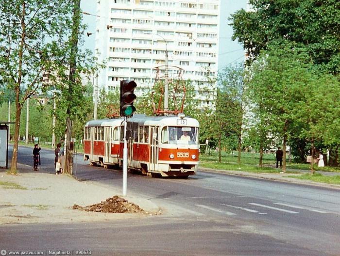 кленовый бульвар метро на наш транспорт любят