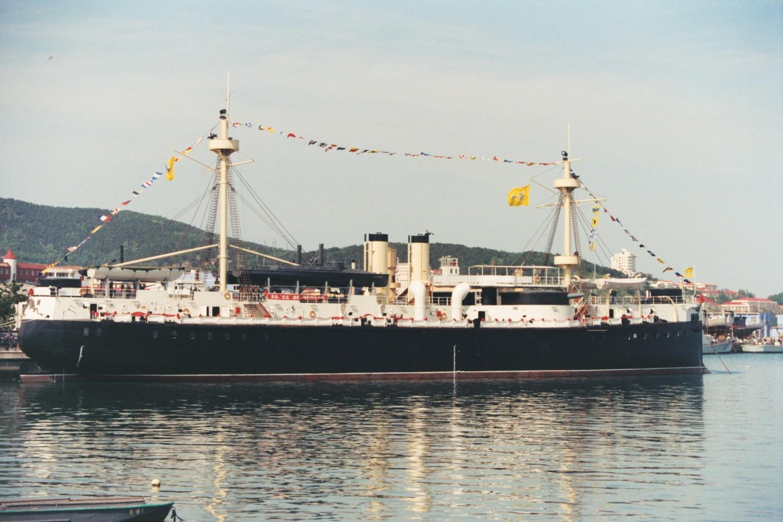 http://photos.wikimapia.org/p/00/04/76/80/79_full.jpg
