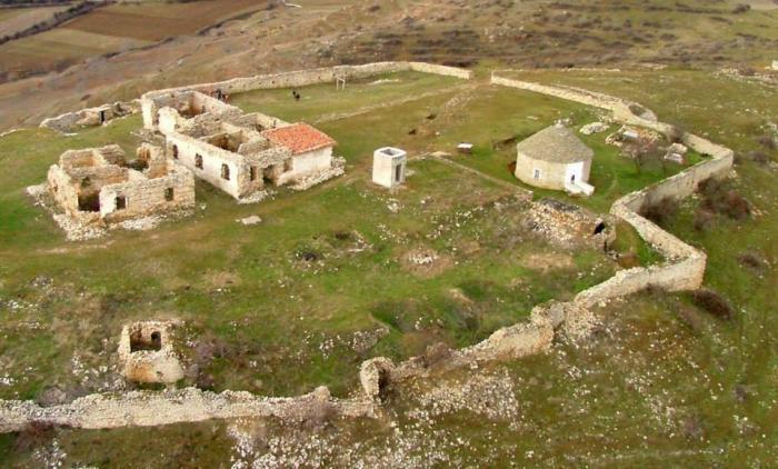 Корча: текие близ селения Мельчан