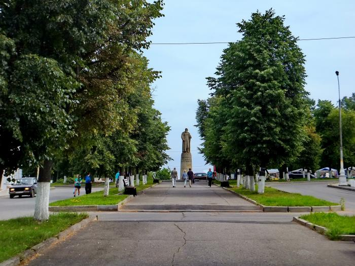 По Череповец памятник ивану сусанину поставлен в костроме изготовление портретов на памятников ульяновск