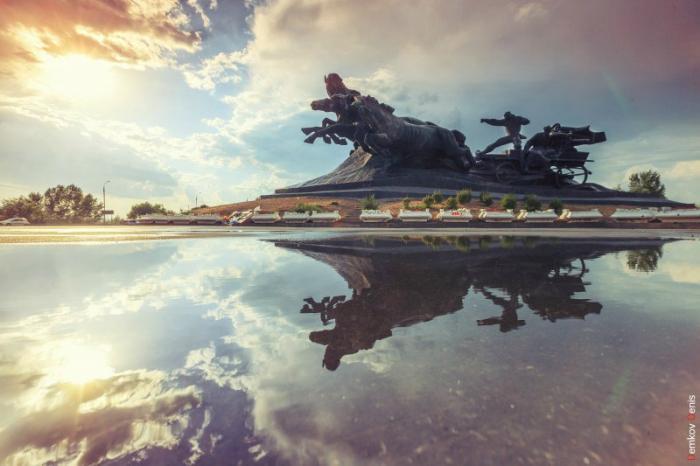 памятник тачанка-ростовчанка фото