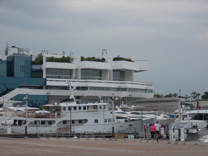 Vieux port de cannes port de plaisance cannes - Port de cannes capitainerie ...