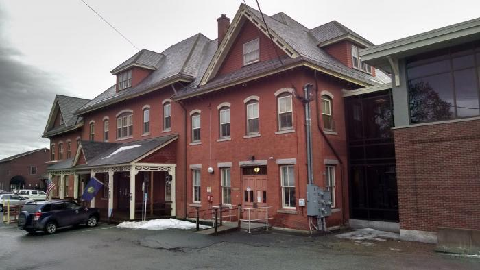 saint johnsbury center Shambhala meditation center of st johnsbury is located in the heart of downtown st johnsbury, serving a population of meditators who live in the northern counties of vermont and new hampshire.