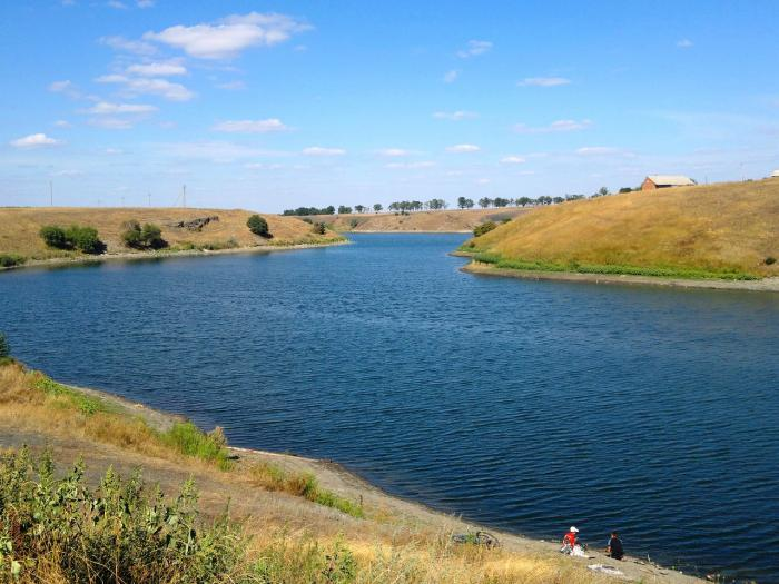 Первые ручьи в долине р верхняя ирель