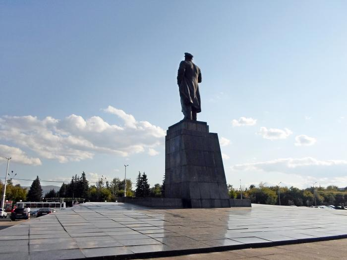 Аренда автокрана в Новосибирске аренда башенных кранов
