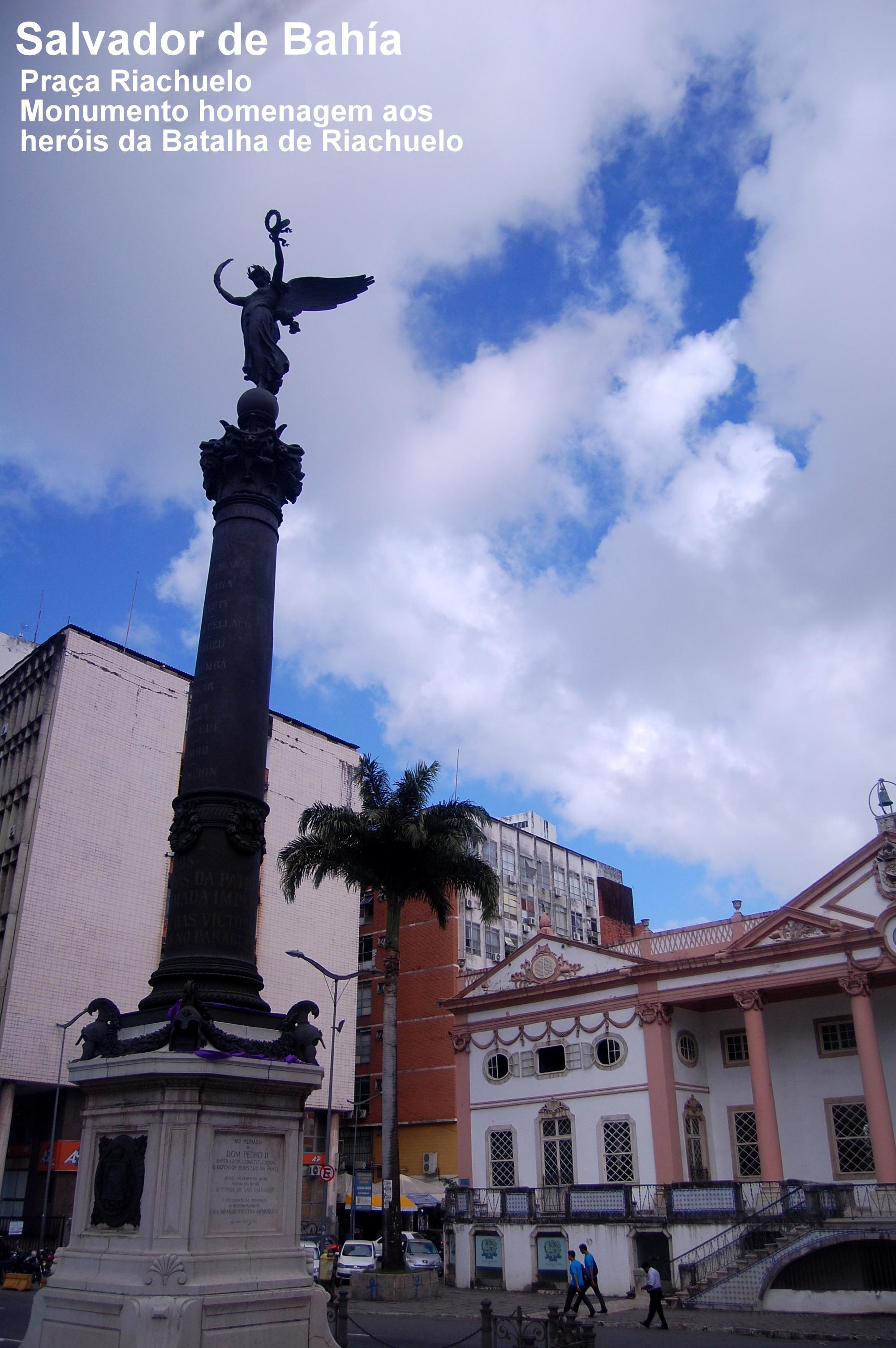 443136868 Praça Riachuelo - Salvador
