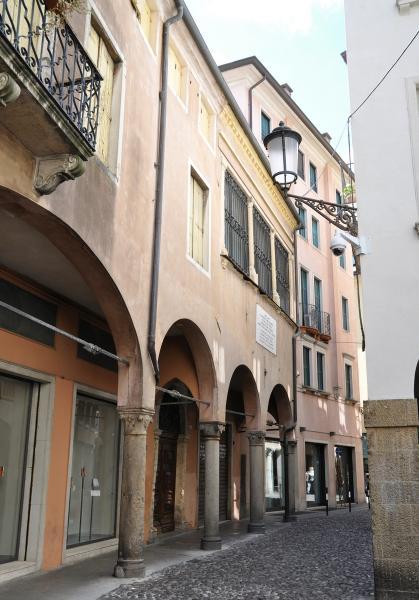 Via San Martino E Solferino 9 15 Padova