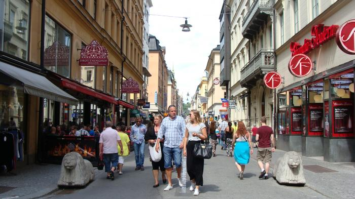 big and trendy drottninggatan