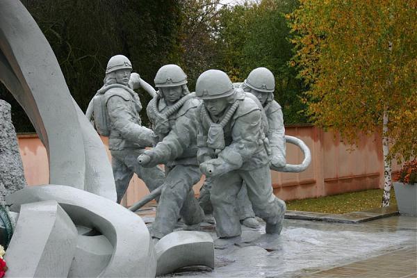 Memorial to the Firemen died at Chernobyl - Chornobyl