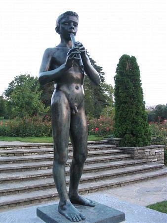 Piper Boy Statue Geneva