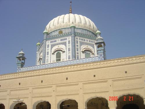 Hazrat Shah Suleman's Shrine and Mosque - Taunsa