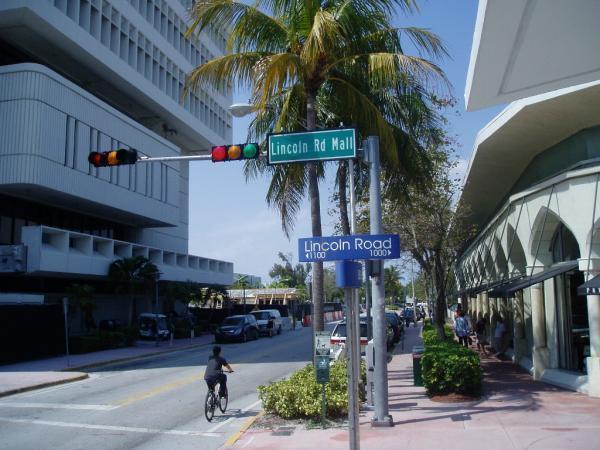 lincoln road mall - miami beach, florida