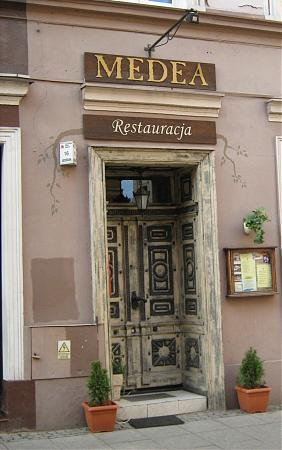 https://photos.wikimapia.org/p/00/01/03/29/30_big.jpg