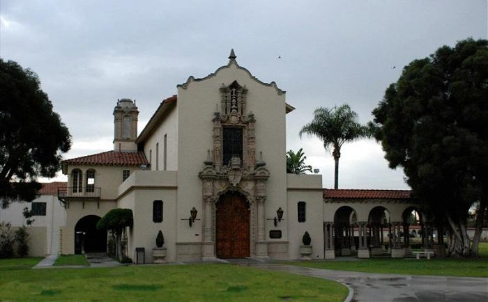 Forest Lawn Memorial Chapel
