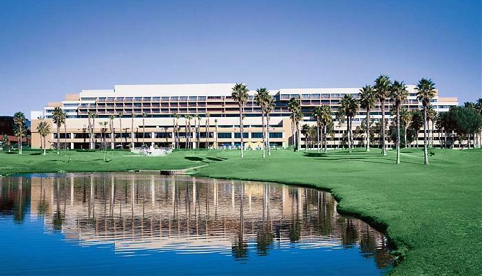 Westdrift Manhattan Beach Hotel Golf Course