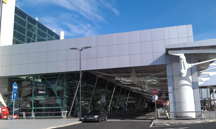 ポルテラ空港 - リスボン