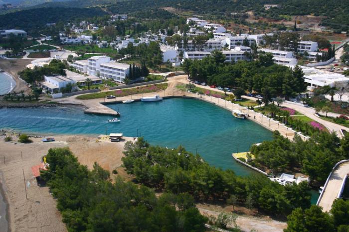 porto hydra greece