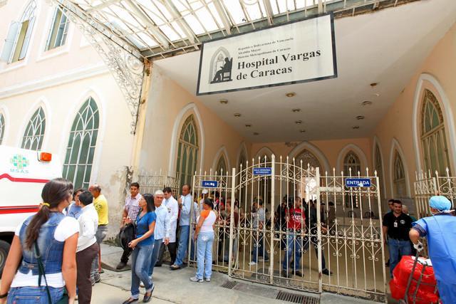 hospital clinico caracas direccion