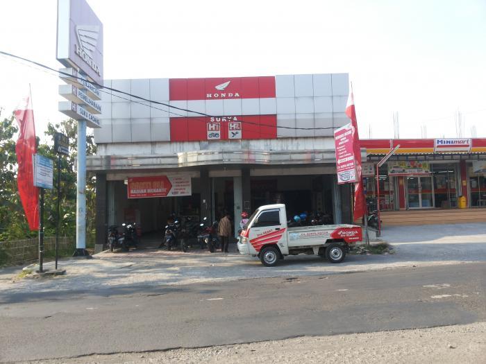 Surya Motor Gemolong dealer sepeda motor / toko
