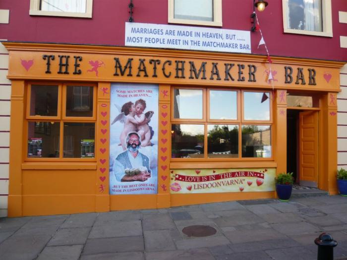 Lisdoonvarna matchmaking bar är smak dating chidinma