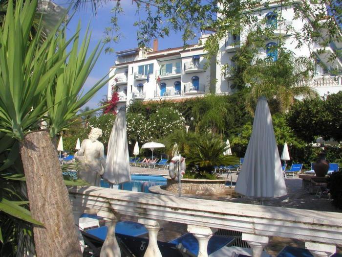 Sant Alphio Garden Hotel Spa English