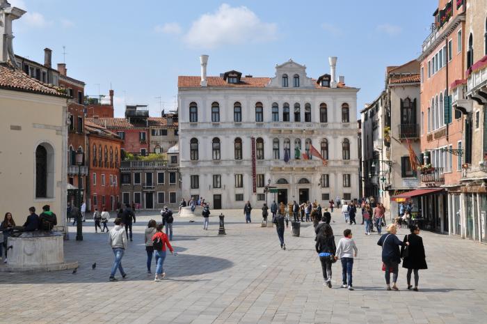 Campo Santa Maria Formosa - Venice | historic town square