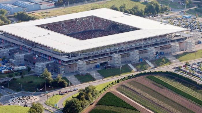 Výsledek obrázku pro EM Stadion Wals-Siezenheim