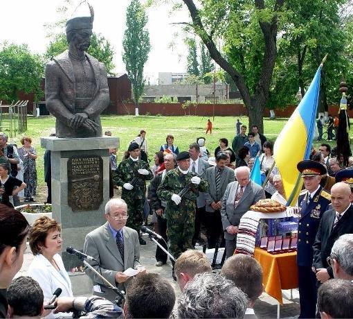 Гончарук після зустрічі із Сійярто: Сподіваюся, він стане справжнім уболівальником України на шляху до ЄС і НАТО - Цензор.НЕТ 455