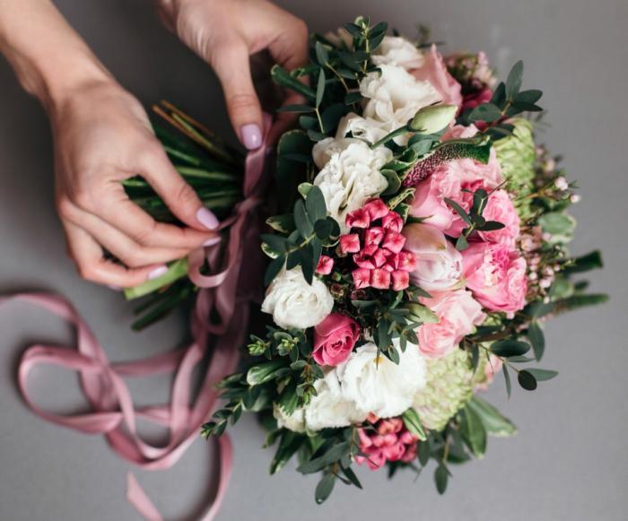 Розы доставкой, букет столицы в казани цены на свадебные букеты